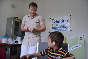 Foto 2 - Bambini con gravi patologie uditive
